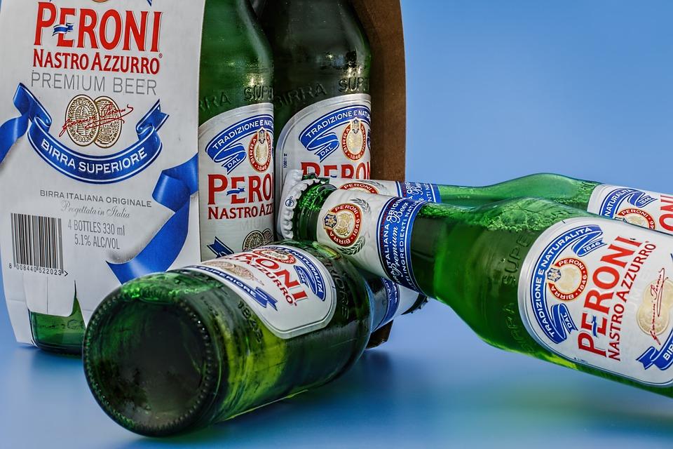 המתבגר רוצה לצאת למסיבה עם אלכוהול: מה עושים?